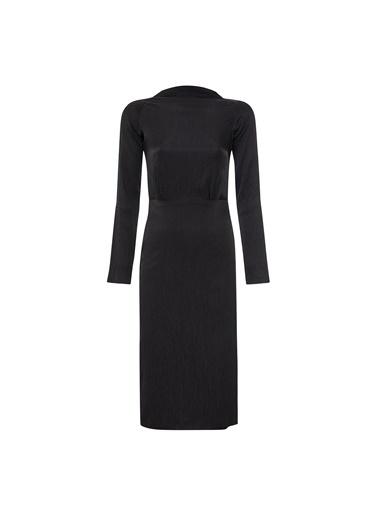 Vekem-Limited Edition Kayık Yaka Reglan Kol Yırtmaçlı Saten Elbise Siyah